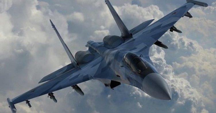 Romanya'da askeri uçak düştü