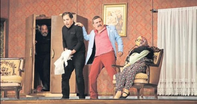 DHT komedi oyunu ile perdelerini açtı
