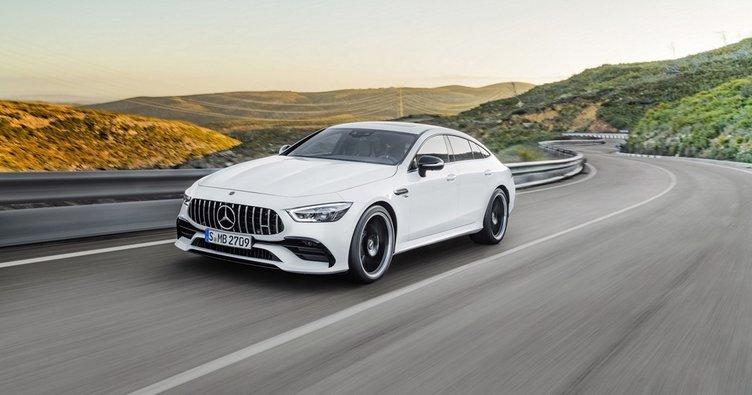 Mercedes-Benz, Cenevre'de yeni modelleri tanıttı