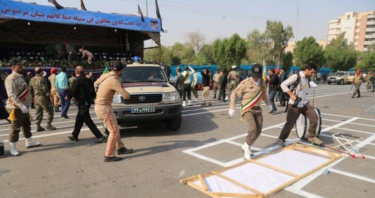 İran'da askeri geçiş töreninde terör saldırısı