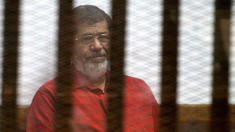 İlk kez yüz yüze gelecekler: Mursinin yargılandığı davada Mübarek dinlenecek 52