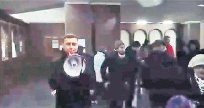 Erivan'da protestocular hükümet binasını bastı