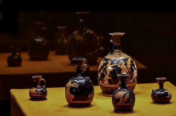 atina'daki çömlekçiler çarşısı ile ilgili görsel sonucu