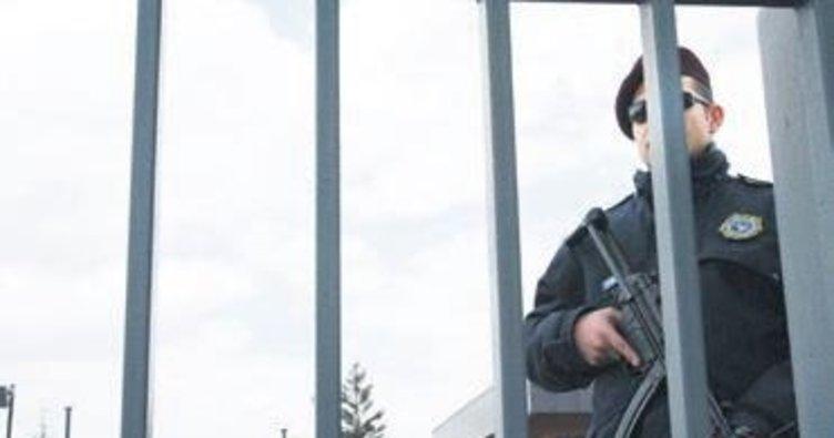 MİT yurtdışında iki FETÖ'cüyü daha yakaladı