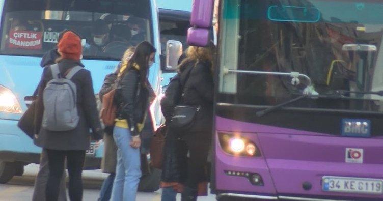 İstanbul'da toplu taşıma araçlarında ve duraklarda yolcu yoğunluğu