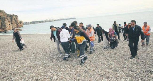 Çocukları kurtarmak isterken boğuldu