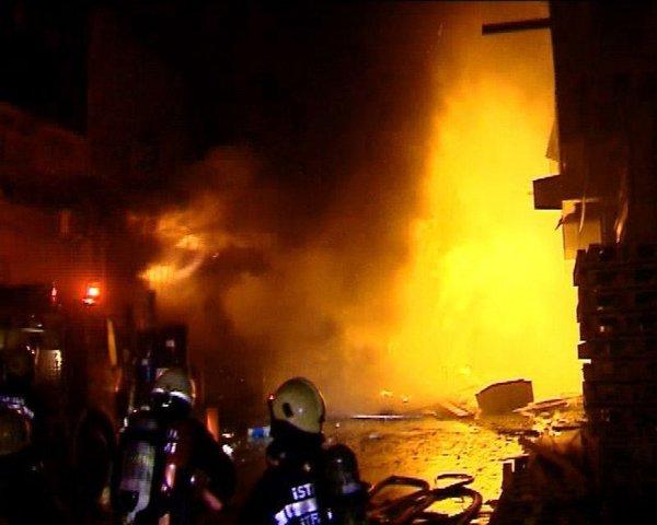 Yenibosna'da yangın