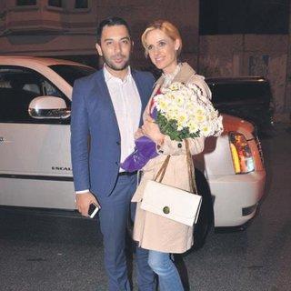 'Eşime hep çiçek alırım'