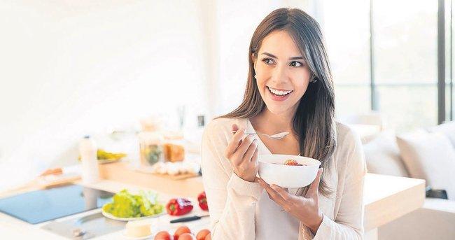 Sahurda tatlı yerine meyveli yoğurt yiyin