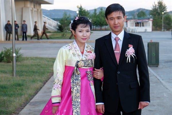 Yine Kuzey Kore'ye gitti!