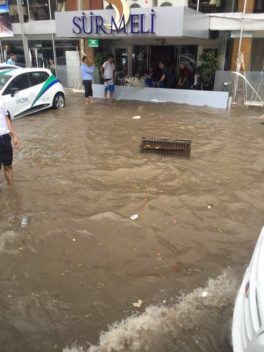 Adana'da sel baskını!
