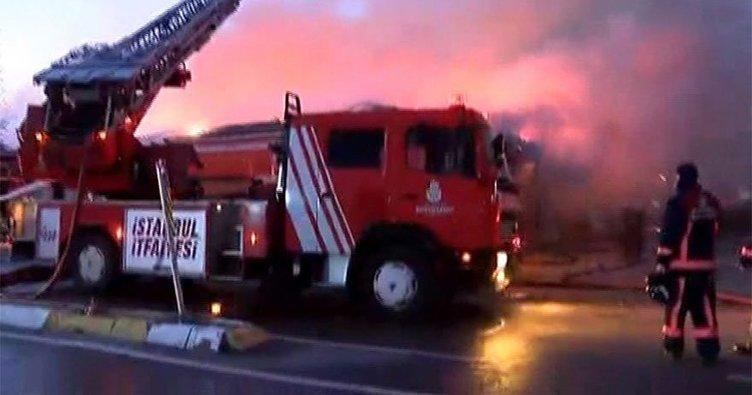 Sancaktepe'de fabrika yangını