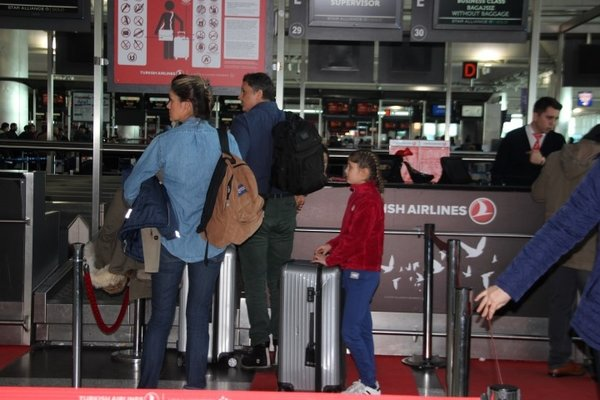 Havalimanlarında karne tatili yoğunluğu