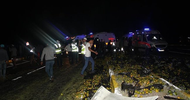Ankara'da trafik kazası: 1'i ağır 24 yaralı