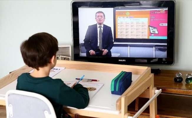 SON DAKİKA! Bakan Selçuk duyurdu: Okulların açılış tarihi değişecek mi?