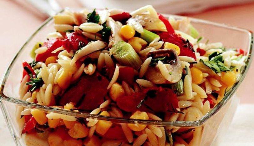 şehriyeli Kırmızı Biber Salatası Tarifi Salatalar Sofra