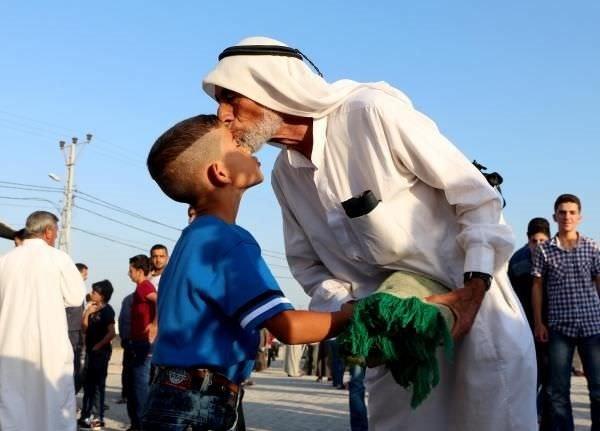 Suriye kampında buruk bayramlaşma