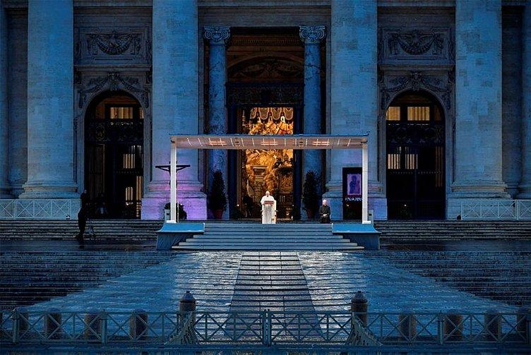 Ayasofya açıklamasının ardından Papa Francis'e zor soru! 'Cordoba Kurtuba Ulu Camii için de acı çekiyor mu?'