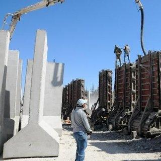 İdlib'e 1 haftada 250 beton blok gönderildi