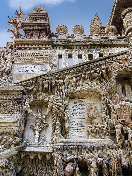 Fransız postacı çakıl taşlarından saray yaptı