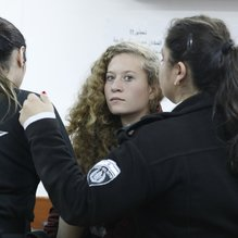 Filistinli cesur kız Ahed'e İsrail zulmü