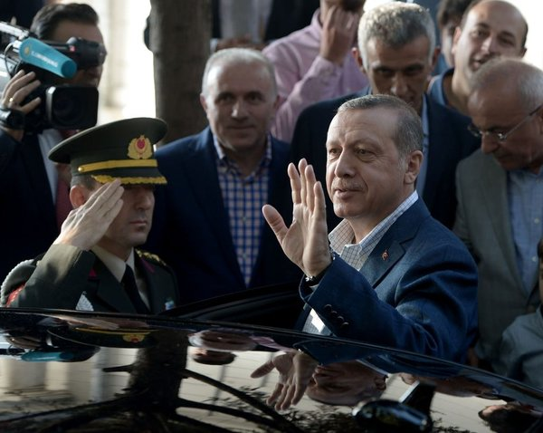 Cumhurbaşkanı Erdoğan İstanbul'da bayram namazı kıldı