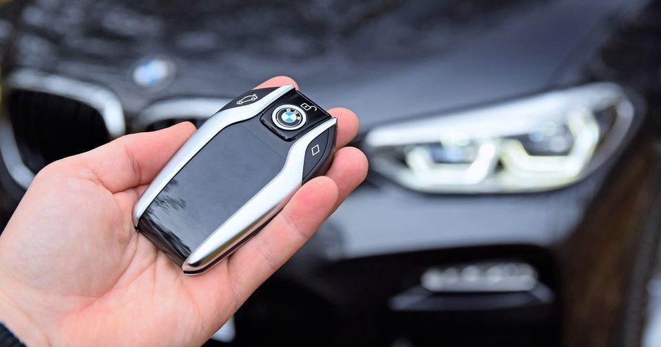 BMW araç sahipleri dikkat! iPhone'lar BMW anahtarı yerine geçebilir