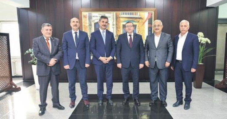 Başkan Murat Köse kaymakamı ziyaret etti