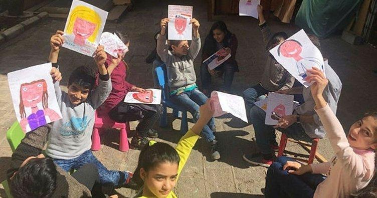 Diyarbakırlı çocuklar İtalya'daki çocuklarla mektup arkadaşı oldu
