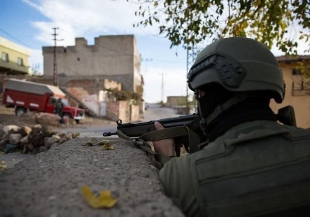 Mardin Derik'teki operasyondan kareler