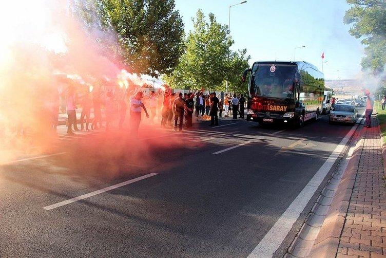 Galatasaray'da Cenk'i havaalanında unuttular