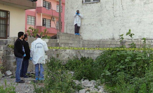 Adana'da korkunç olay! Taşlanarak öldürüldü