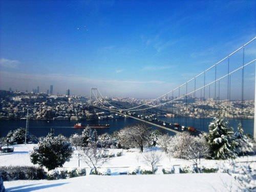 Kar İstanbul'un güzelliğine güzellik kattı