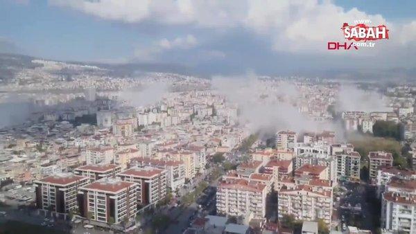 İzmir'de yaşanan depremin ardından yıkılan binalardan toz dumanı böyle yükseldi! | Video