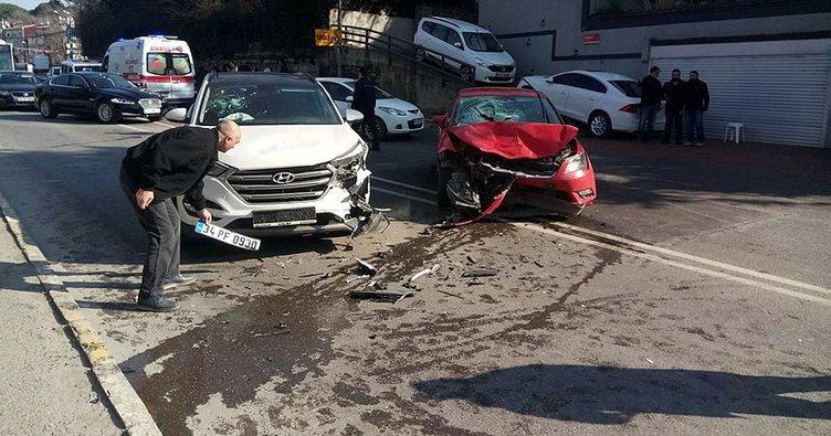 Otomobil yayaya ve iki araca çarptı