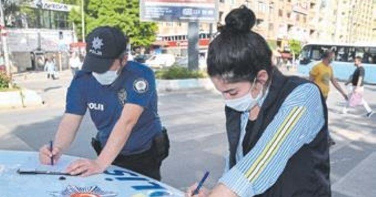 Maskesiz sokağa çıkan 49 kişiye para cezası uygulandı