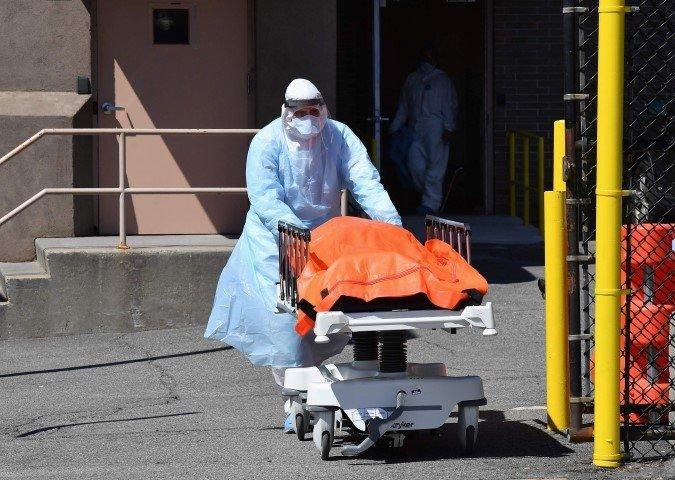 Son dakika: Amerika'da coronavirüs kabusu! Türk doktor anlattı: Bazı insanların ölümüne karar verdik