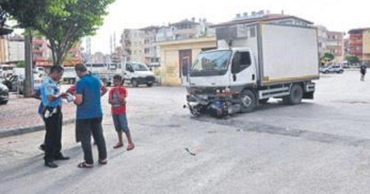 Manavgat'ta kaza: iki kişi yaralandı