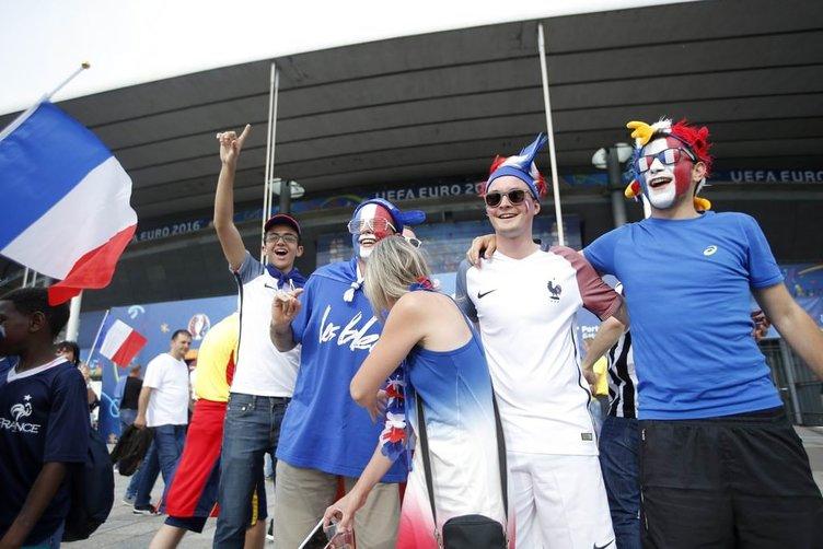 EURO 2016'nın görkemli açılışı