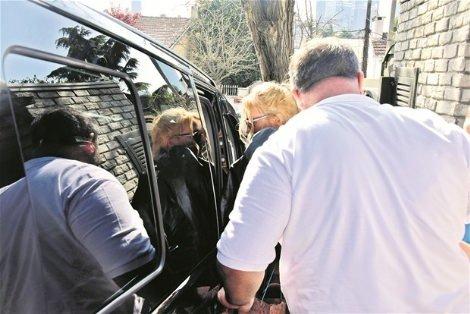 Meryem Uzerli, kızı Lara'yla Ozan Güven'in evine gitti