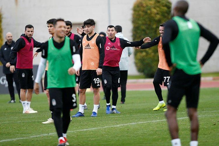 Beşiktaş'ta Şenol Güneş takımı Burak Yılmaz'ın üzerine kuruyor