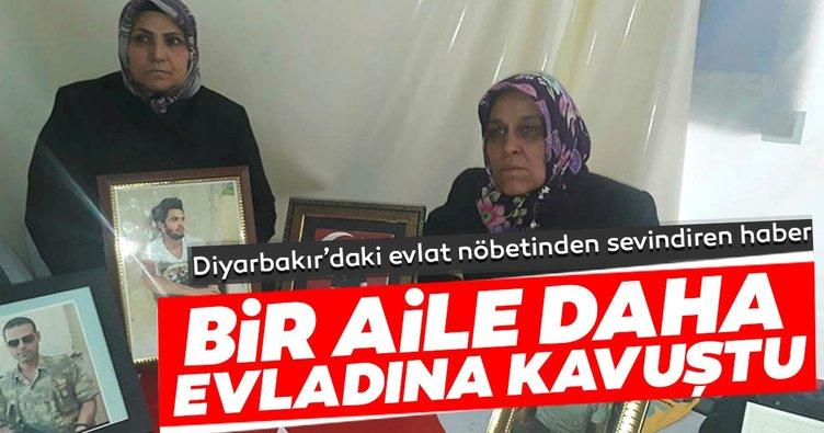 Son dakika: Diyarbakır'daki evlat nöbetinde bir aile daha evladına kavuştu