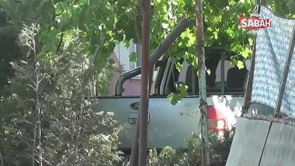 İzmir'de kamyonet evin bahçesine girdi: 1 ölü | Video