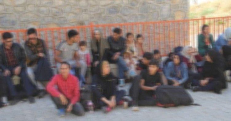 Balıkesir'de 9 Afganistanlı kaçak yakalandı