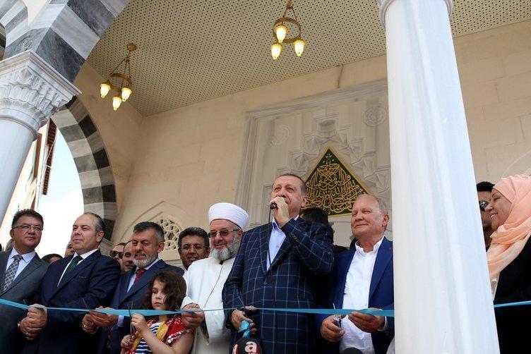 Erdoğan Küçükçekmece'de cami açılışına katıldı