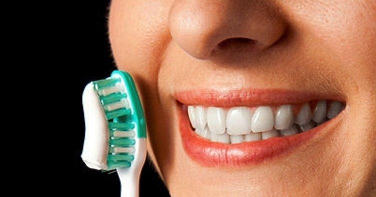 Diş fırçasını 3 ayda bir yenileyin