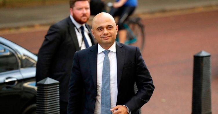 İngiltere'de Maliye Bakanlığına bir Müslüman getirildi