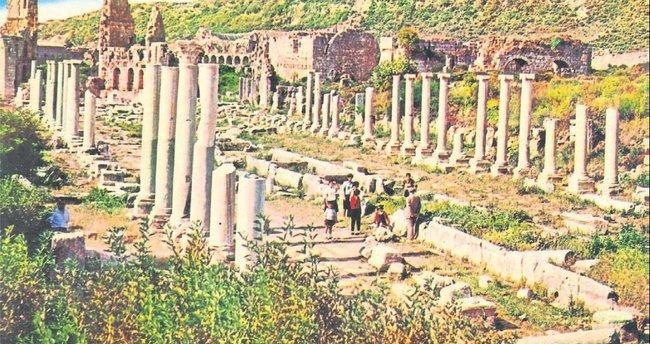 Üzerinde yaşadığımız Pamfilya ve Antalya