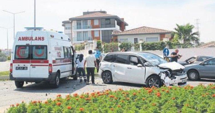 Babasının aracını kaçırıp kaza yaptı