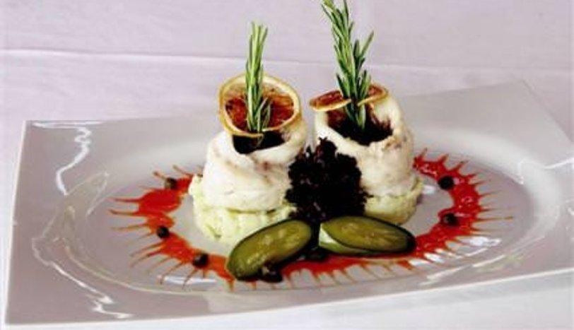 Levrek Buğulama Kereviz-Patates Püresi Eşliğinde